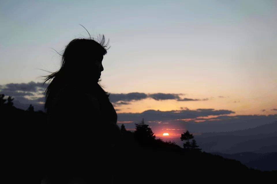 西山夕阳人像摄影